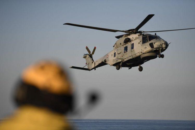 François Hollande no Iraque para visitar forças que combatem Estado Islâmico