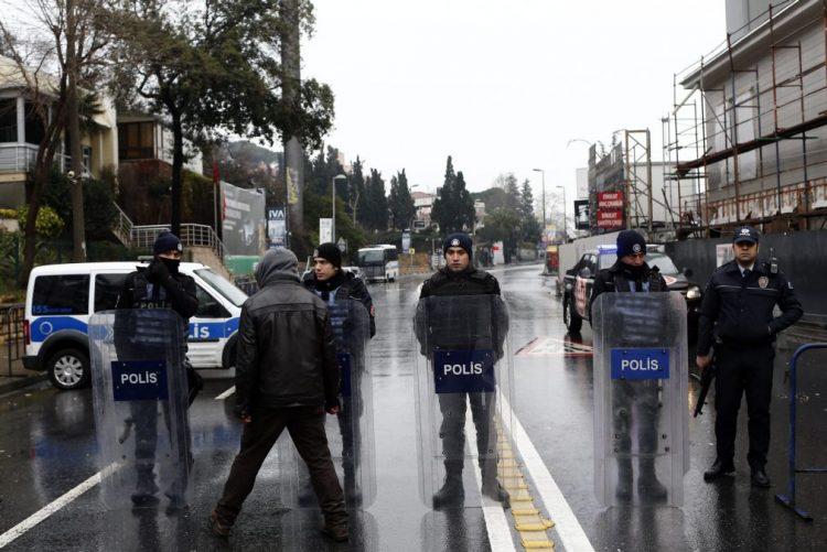Radicais do Estado Islâmico reivindicam atentado em discoteca de Istambul