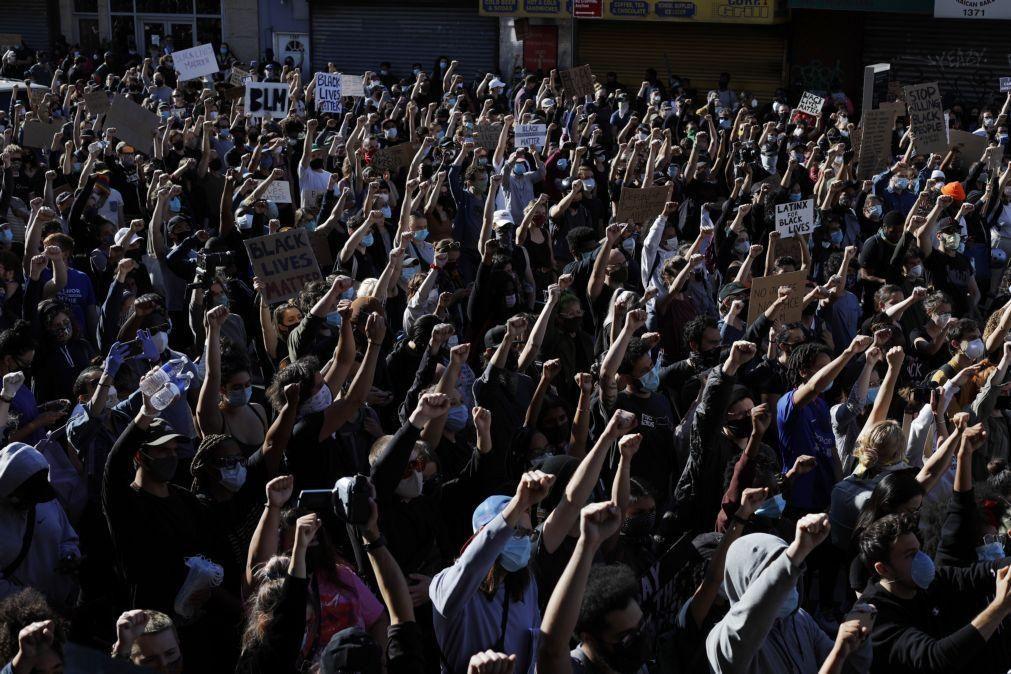 Nova Iorque recebe ordens de recolher obrigatório perante quinto dia de protestos