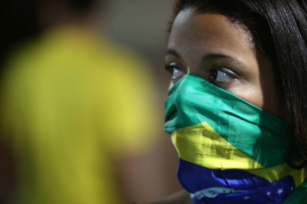 Protesto antiracista na cidade brasileira de Curitiba acaba em violência