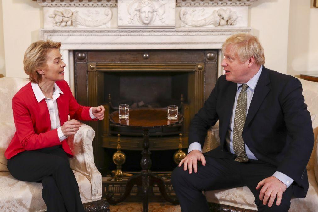 Brexit: Von der Leyen e Johnson reúnem-se este mês para debater futuro comercial