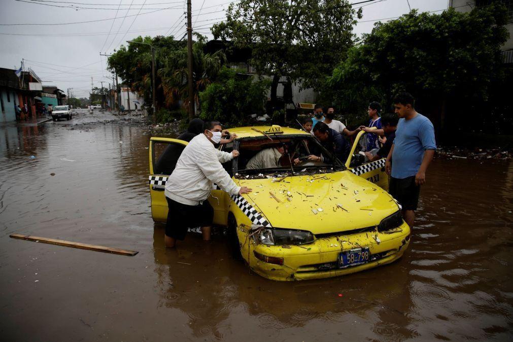 Tempestade Amanda deixa rasto de morte e de devastação na América Central