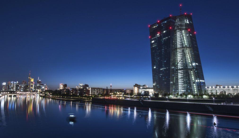 Analistas esperam que BCE aumente compra de dívida