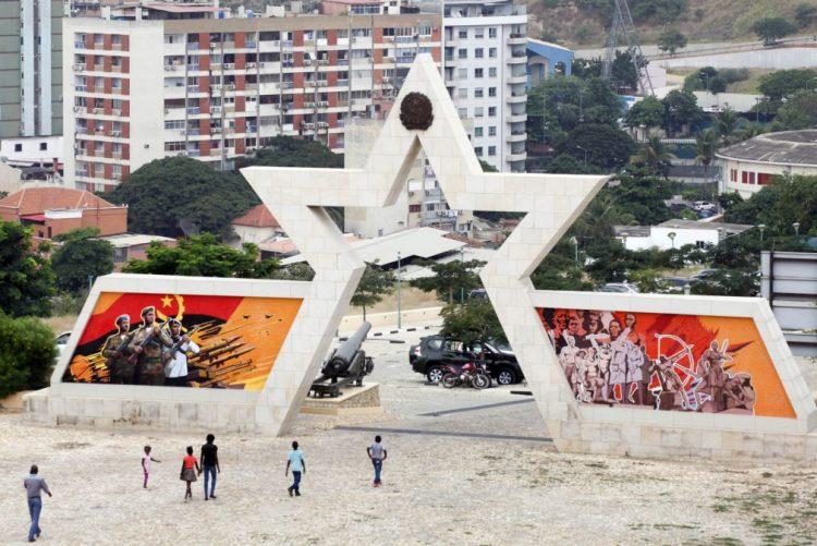 Angola e Moçambique entram em 2017 no 'top ten' das moedas mais desvalorizadas