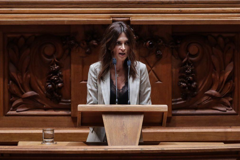 Eutanásia: Isabel Moreira (PS) vai fazer texto de consenso para nova lei