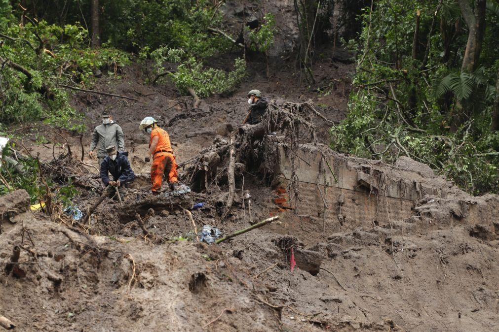Tempestade tropical faz 27 mortos em El Salvador e mais de 11 mil desalojados