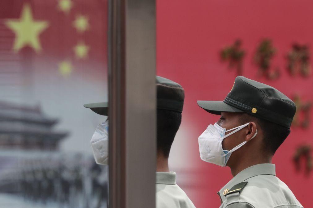 Aniversário de Tiananmen marcado por repressão e proibição de vigília em Hong Kong
