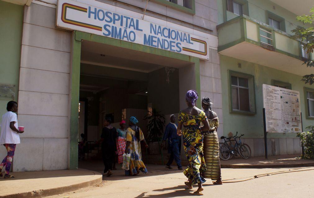 Covid-19: Técnicos da saúde guineenses estão a ser infetados todos os dias no Simão Mendes - Médico