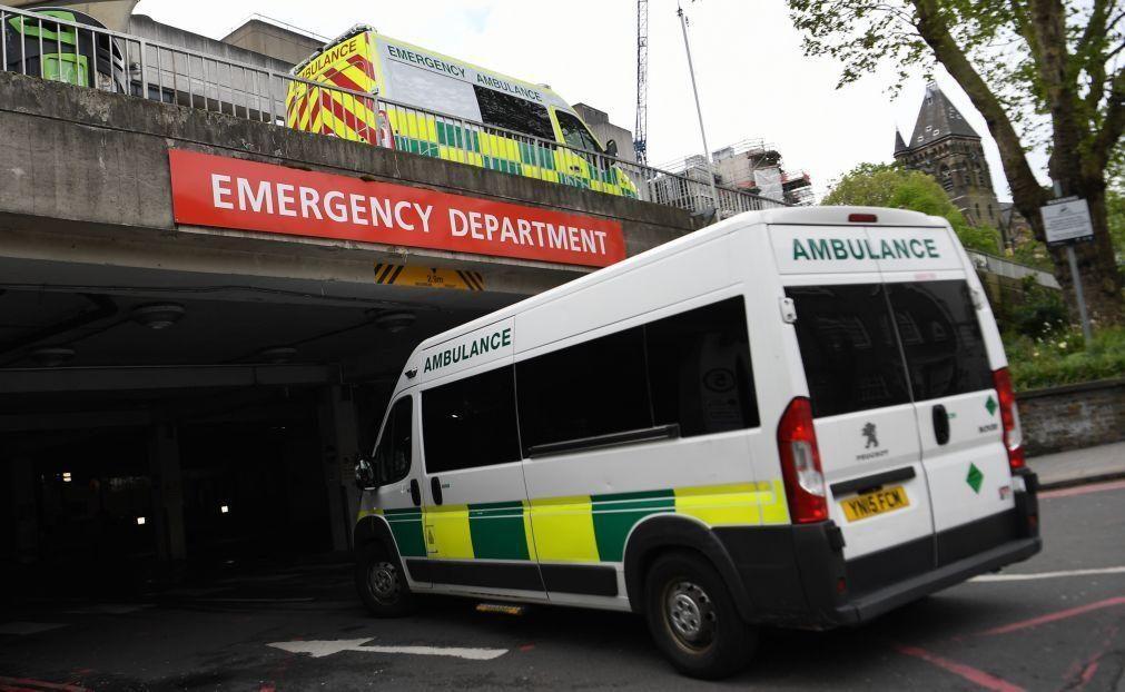Covid-19: Reino Unido regista mais 176 mortes e anuncia uso obrigatório de máscaras nos transportes