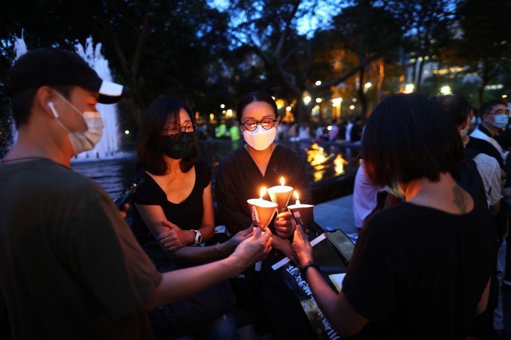 Vigília por Tiananmen em Hong Kong termina com confrontos e detenções
