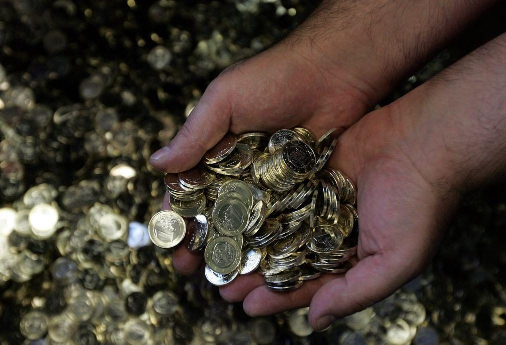 Apoio para trabalhadores informais vai duplicar para 438,81 euros