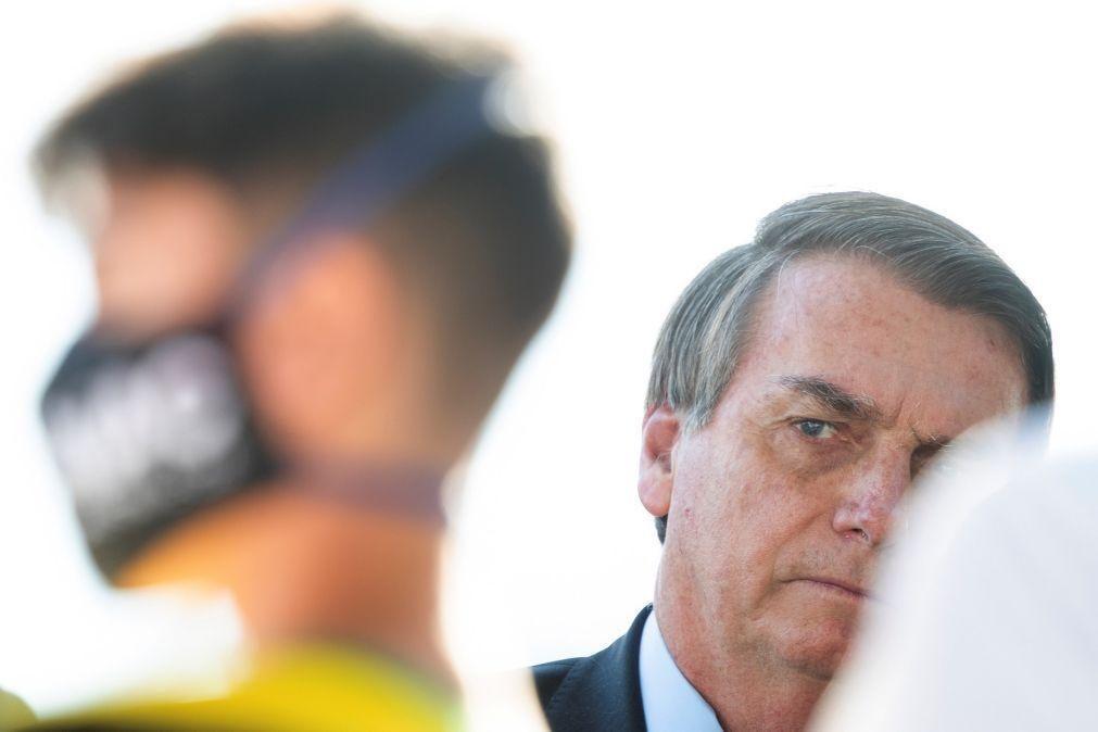 Presidente brasileiro critica protestos contra si e exorta polícia a responder à violência