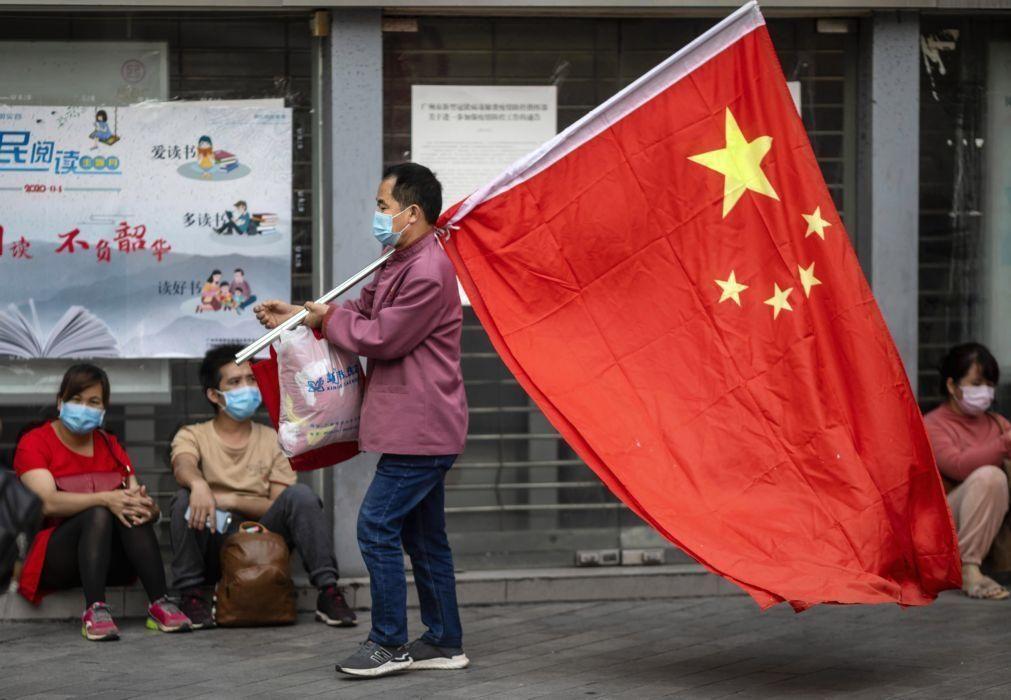 Estados Unidos anunciam que vão aligeirar proibições de voos chineses