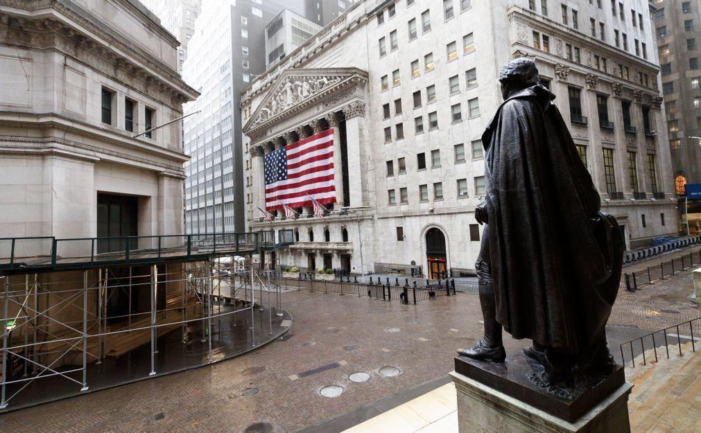 Wall Street fecha em forte alta graças à queda surpresa do desemprego