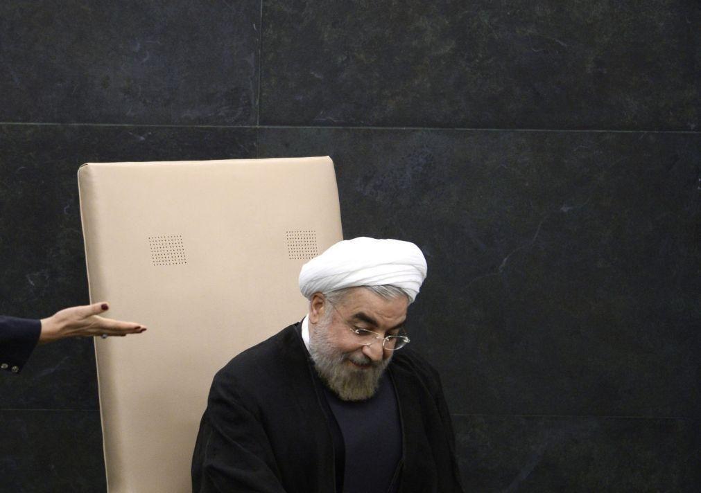 Covid-19: Presidente do Irão avisa que o país terá de viver muito tempo com o vírus