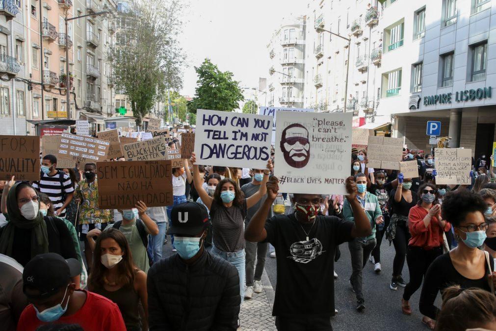 Manifestação contra racismo junta centenas nas ruas de Lisboa