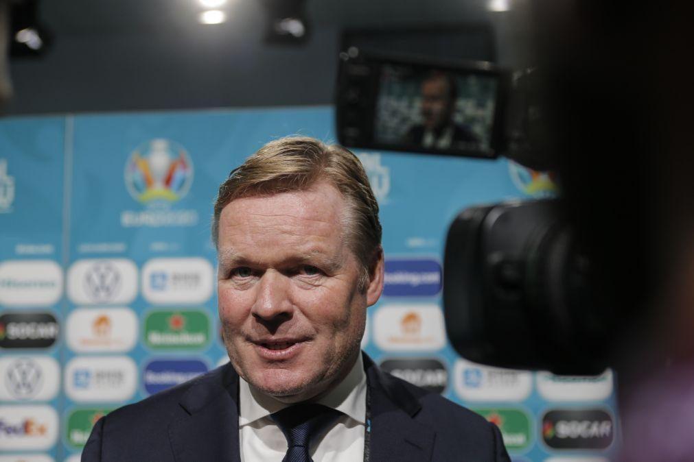 Koeman admitiu contacto para treinar o FC Barcelona mas declinou pelo Euro2020