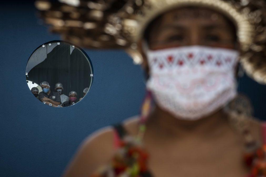 Covid-19: Brasil regista 904 mortes e mais de 27 mil novos casos nas últimas 24 horas