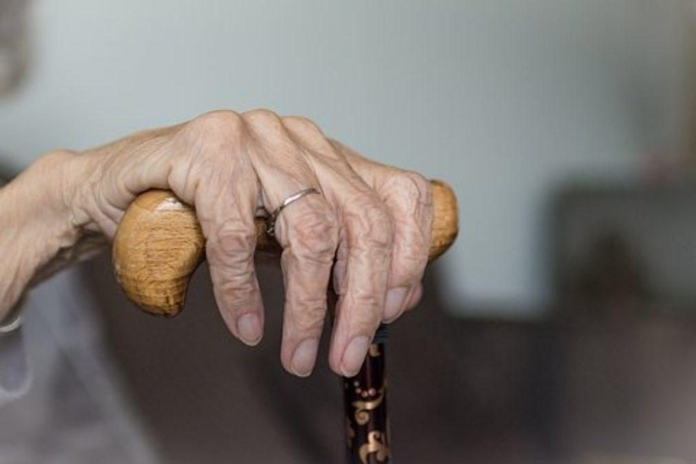 Homem é preso depois de matar e comer a avó de 90 anos