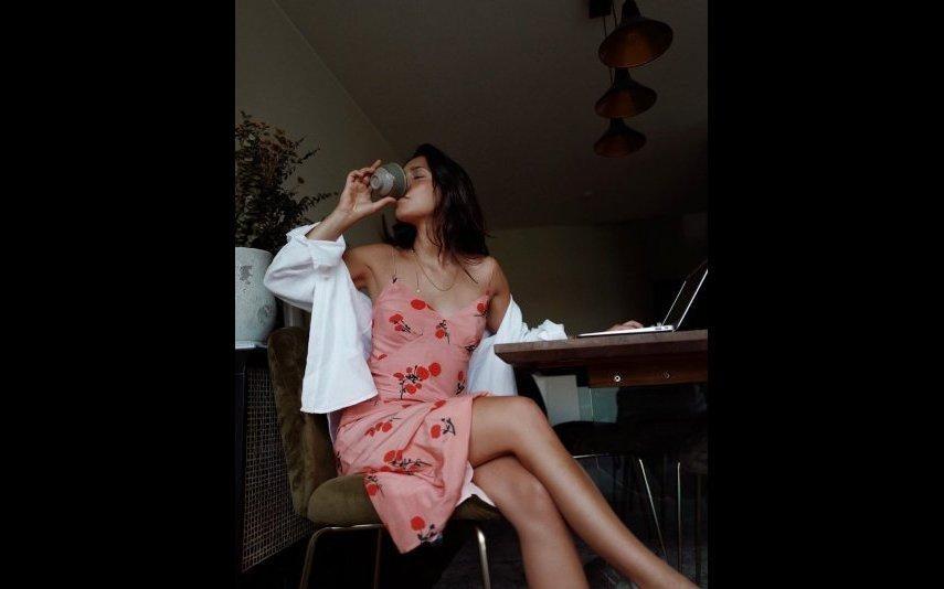 Vestidos de verão 15 modelos frescos e estilosos que as famosas usam e abusam