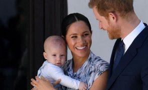 Meghan e Harry mentiram sobre o nascimento de Archie