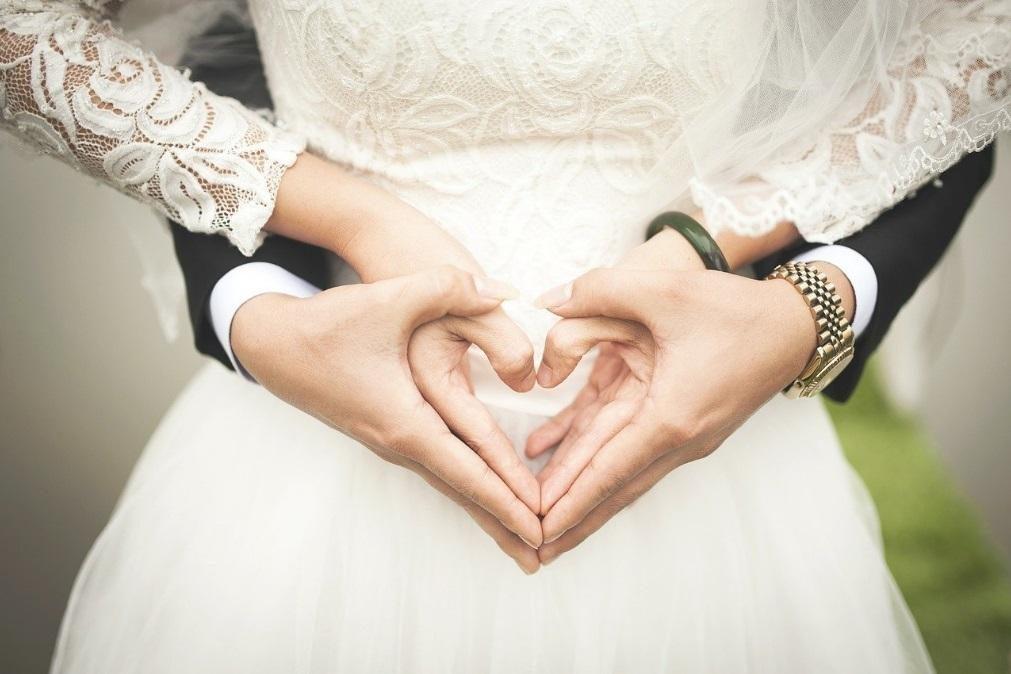 Testes à covid-19 para casamentos têm de ser feitos em laboratório e não podem ser autotestes