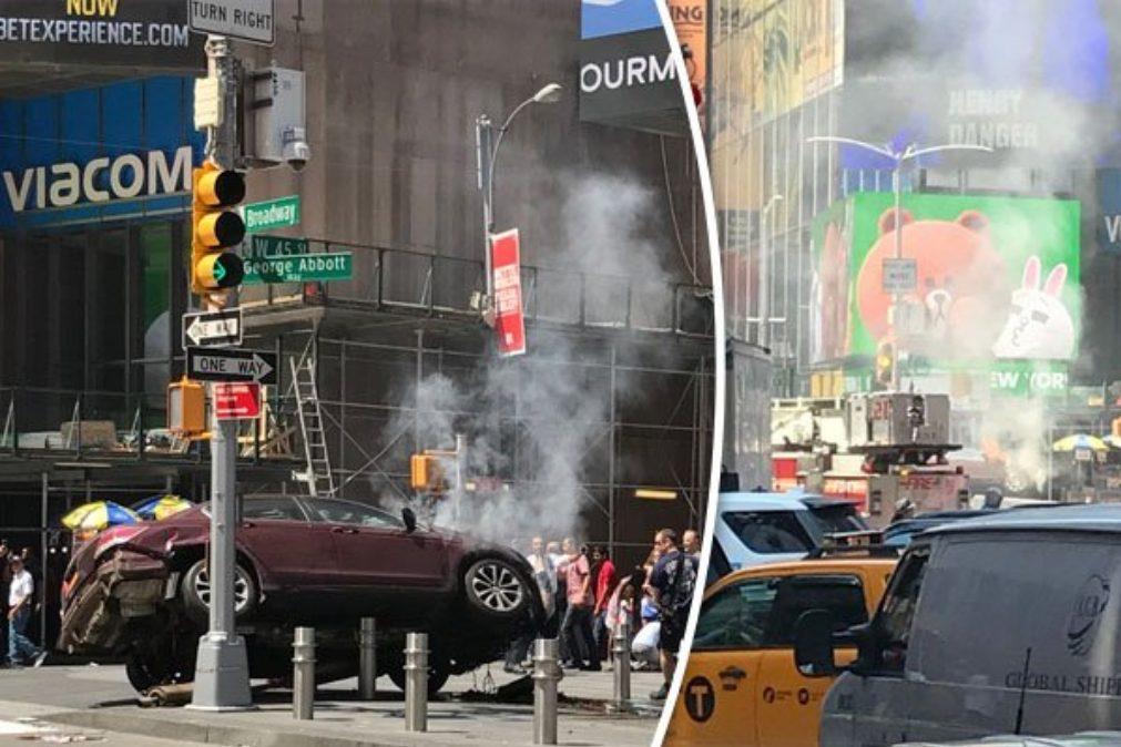 ÚLTIMA HORA: carro avança sobre multidão em Nova Iorque (foto)