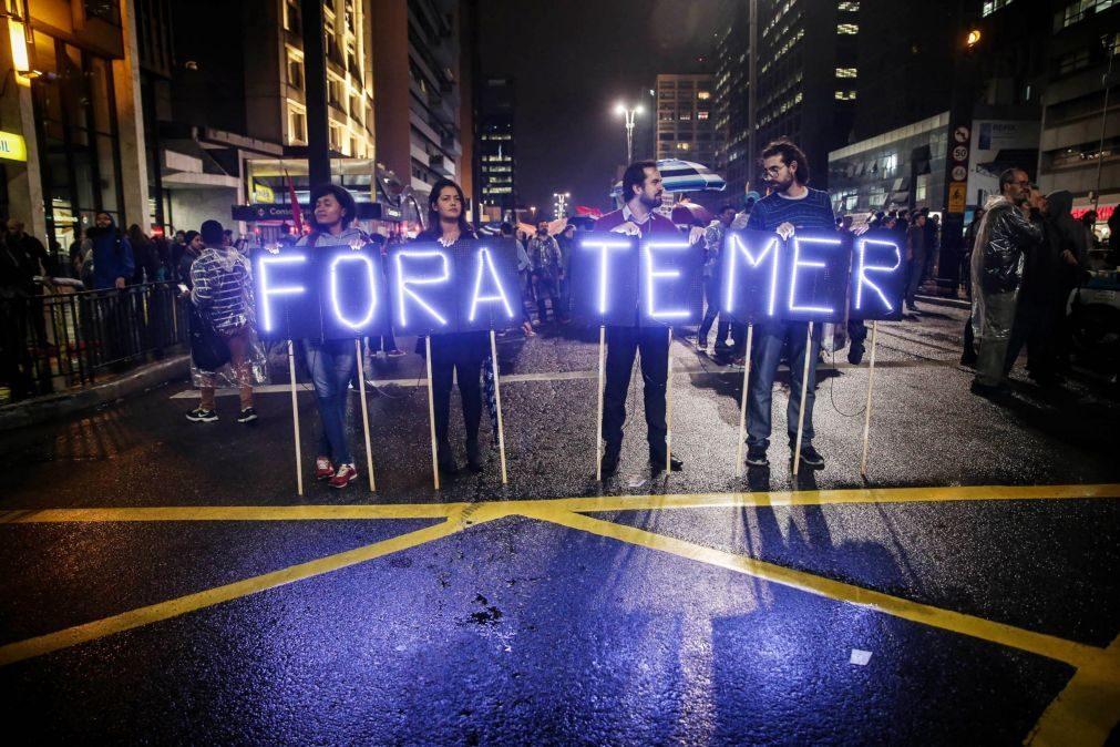 Ministro brasileiro renuncia após escândalo de corrupção que envolve o Presidente