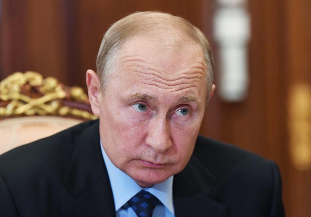 Putin admite concorrer a novo mandato presidencial se Constituição for alterada