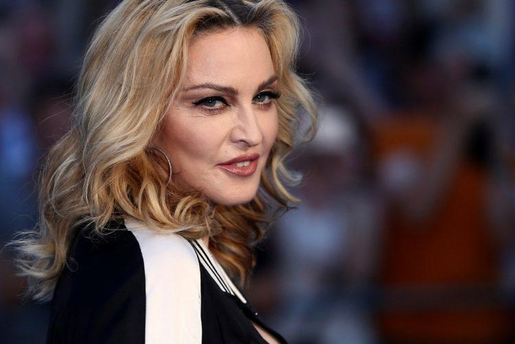 Madonna partilhou várias fotos no seu Instagram no Mosteiro dos Jerónimos, em Belém, Lisboa, com as suas filhas gémeas