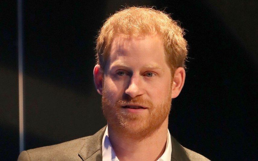 """Príncipe Harry recorda morte da princesa Diana: """"Não queria acreditar ou aceitar"""""""
