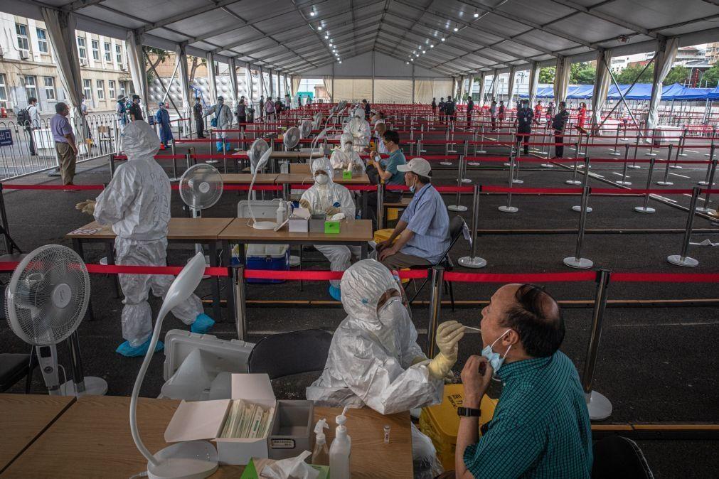 Covid-19: China regista 17 novos casos nas últimas 24 horas, 14 em Pequim