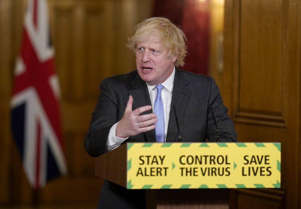 Covid-19: Boris Johnson vai anunciar grande plano de relançamento económico - Imprensa