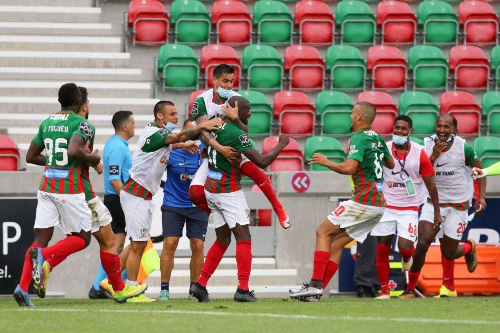 Benfica perde com Marítimo e pode ver FC Porto aumentar vantagem