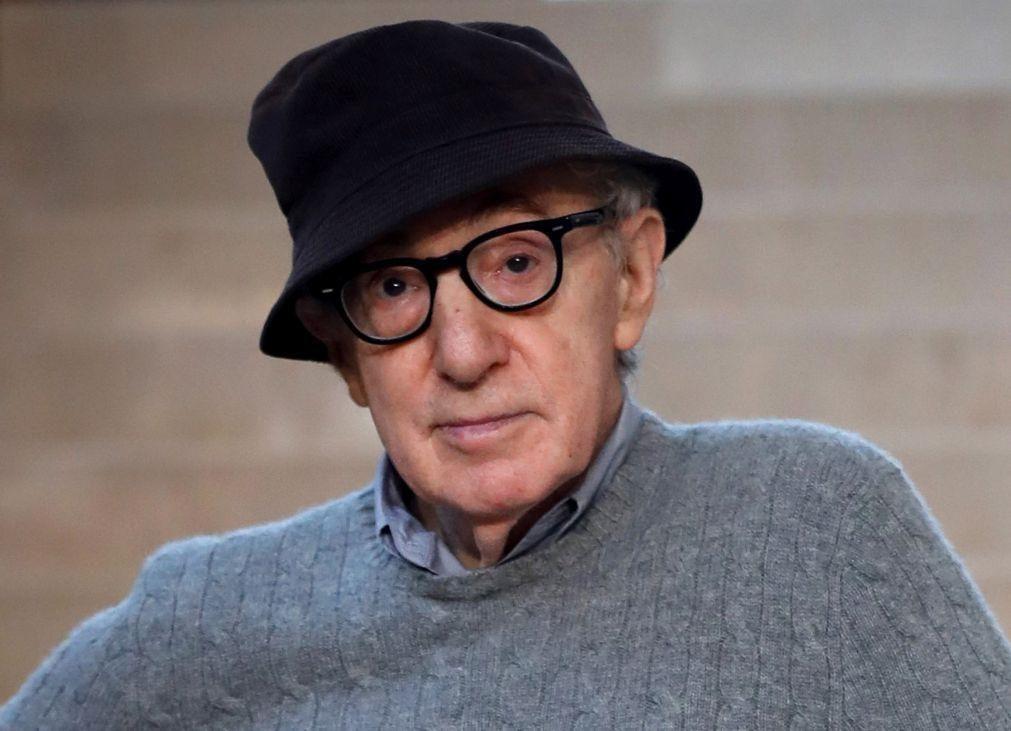 Inédito de Sylvia Plath e biografia de Woody Allen nas novidades literárias de julho