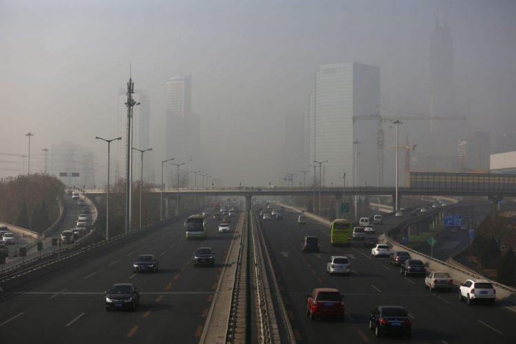 Poluição coloca em alerta vermelho 25 cidades na China