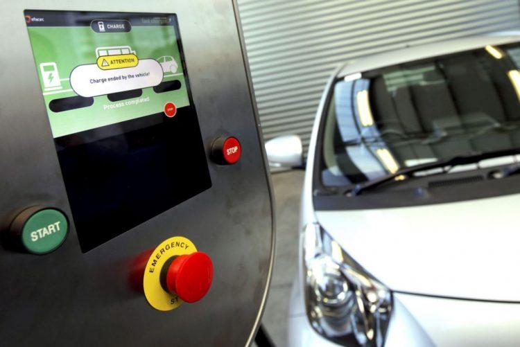 Postos de Carregamento Rápido para carros elétricos instalados nas próximas semanas -- Governo