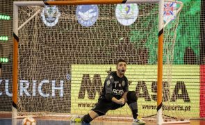 Guarda-redes Gonçalo Portugal renova pelo futsal do Sporting