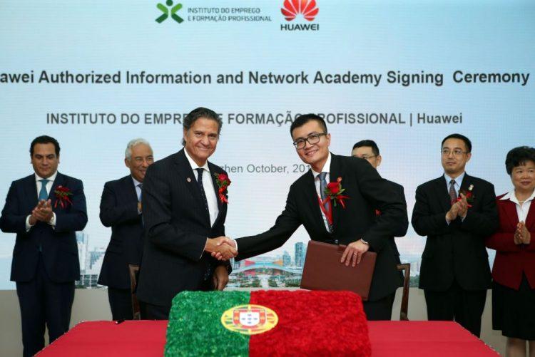 Embaixador português na China recebe 4.ª feira prémio de diplomata económico do ano