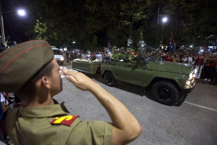 Óbito/Fidel: Restos mortais chegaram à província de Santiago de Cuba
