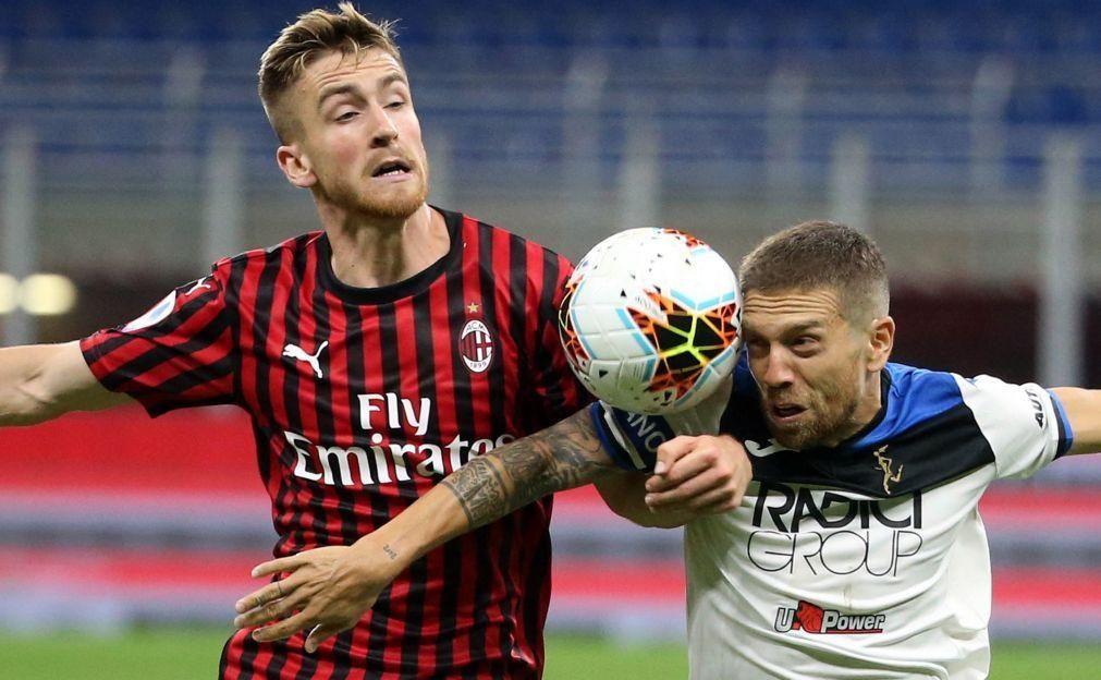 Atalanta empata com AC Milan e deixa Juventus à beira de celebrar o título
