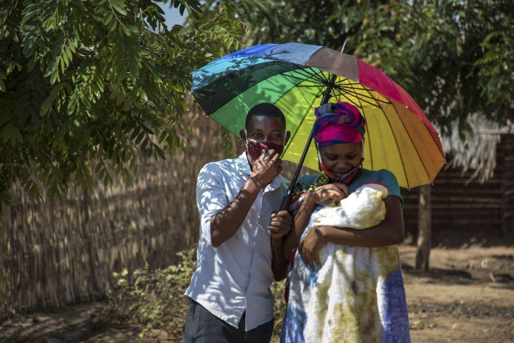 Moçambique. Rui nasceu há uma semana, depois de a mãe ter passado dias à fome durante a gravidez