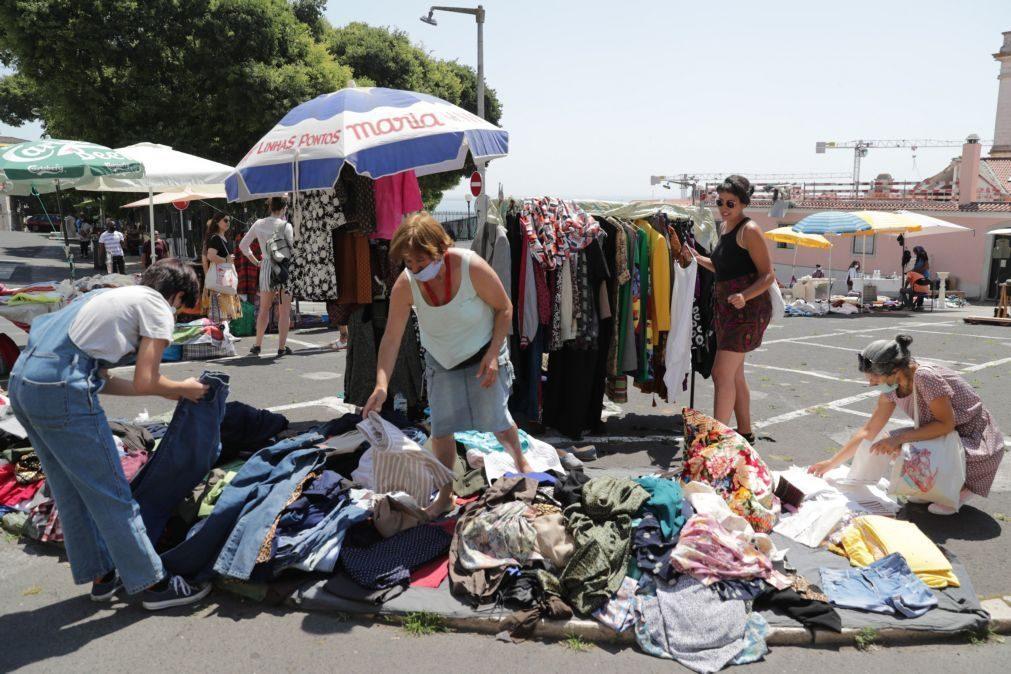 Covid-19: Vendedores da Feira da Ladra em protesto pela reabertura do espaço