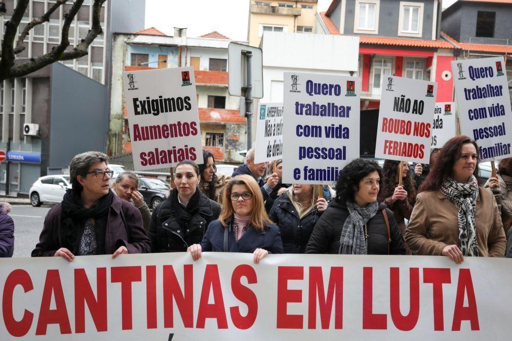 Trabalhadores das cantinas escolares em protesto terça-feira contra precariedade
