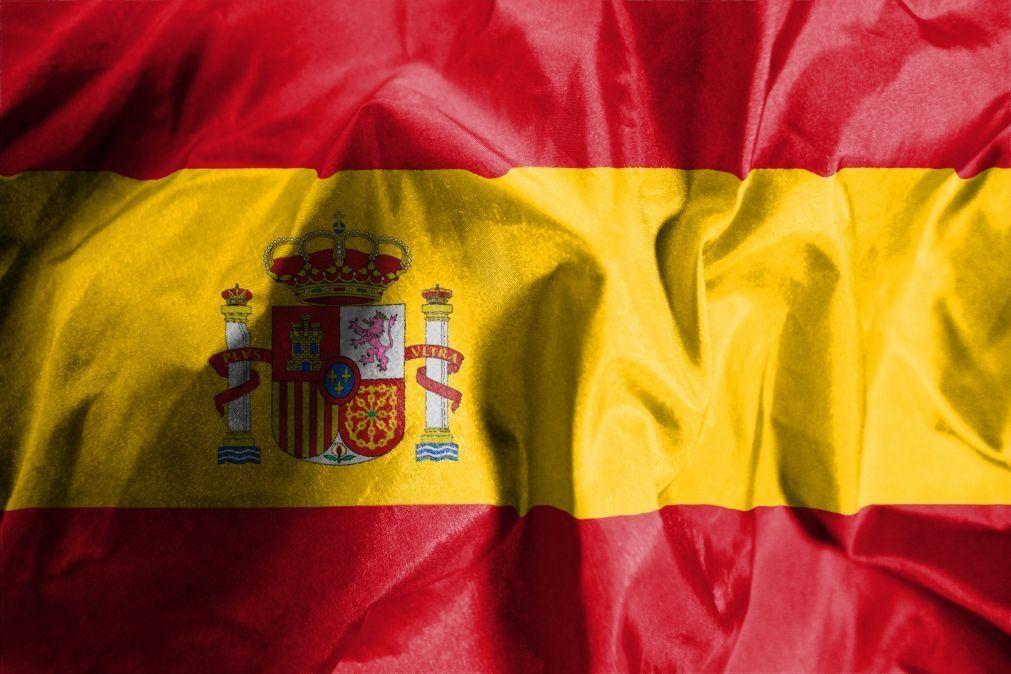 Covid-19 : Reino Unido exclui Espanha de lista de países seguros