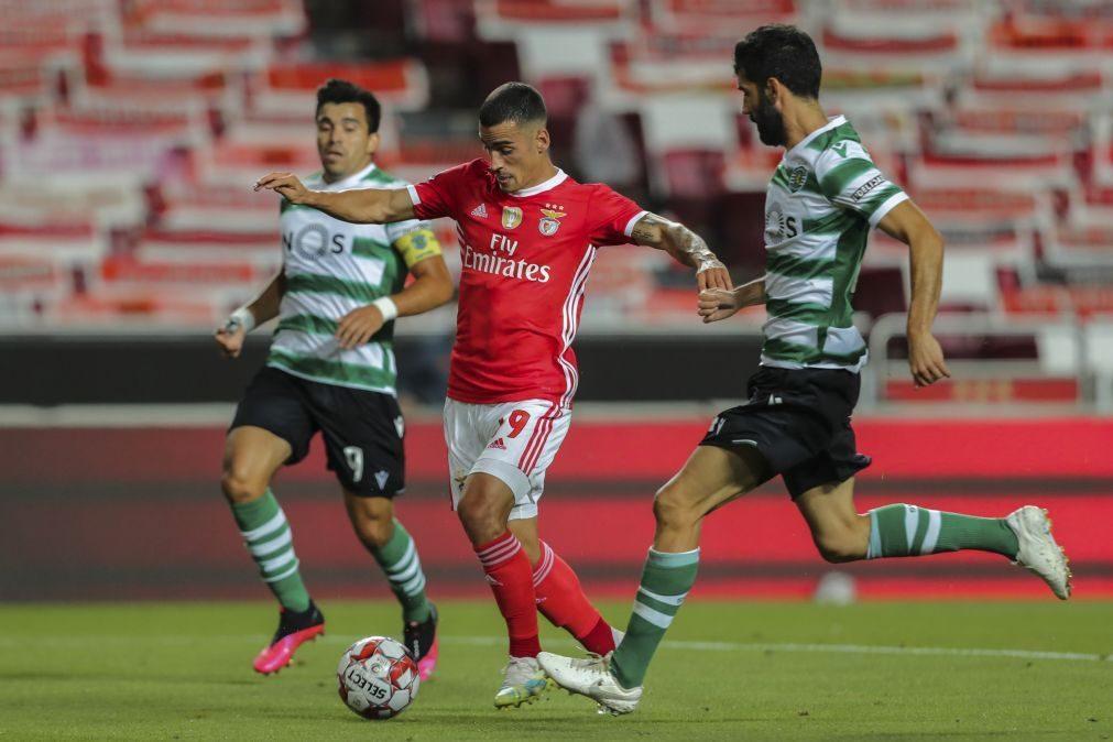 Benfica vence Sporting e atira 'leões' para o quarto lugar da I Liga