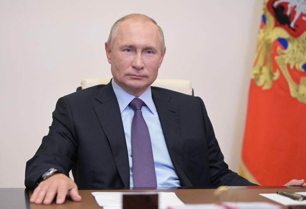Marinha russa reforçada com novas armas hipersónicas -- Putin