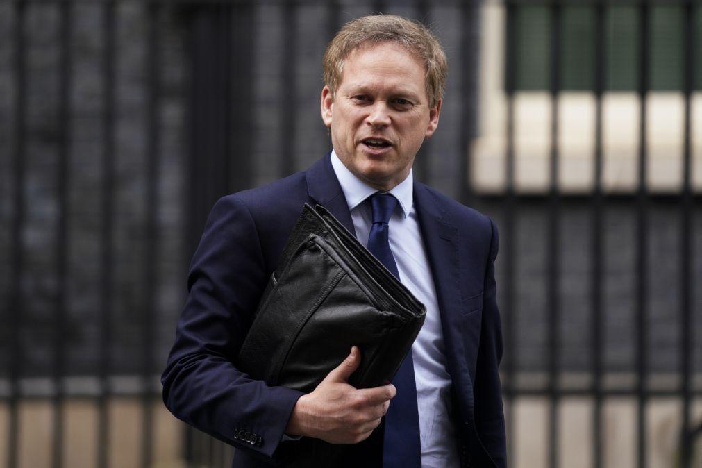 Ministro inglês de férias em Espanha obrigado a quarentena quando regressar ao seu país
