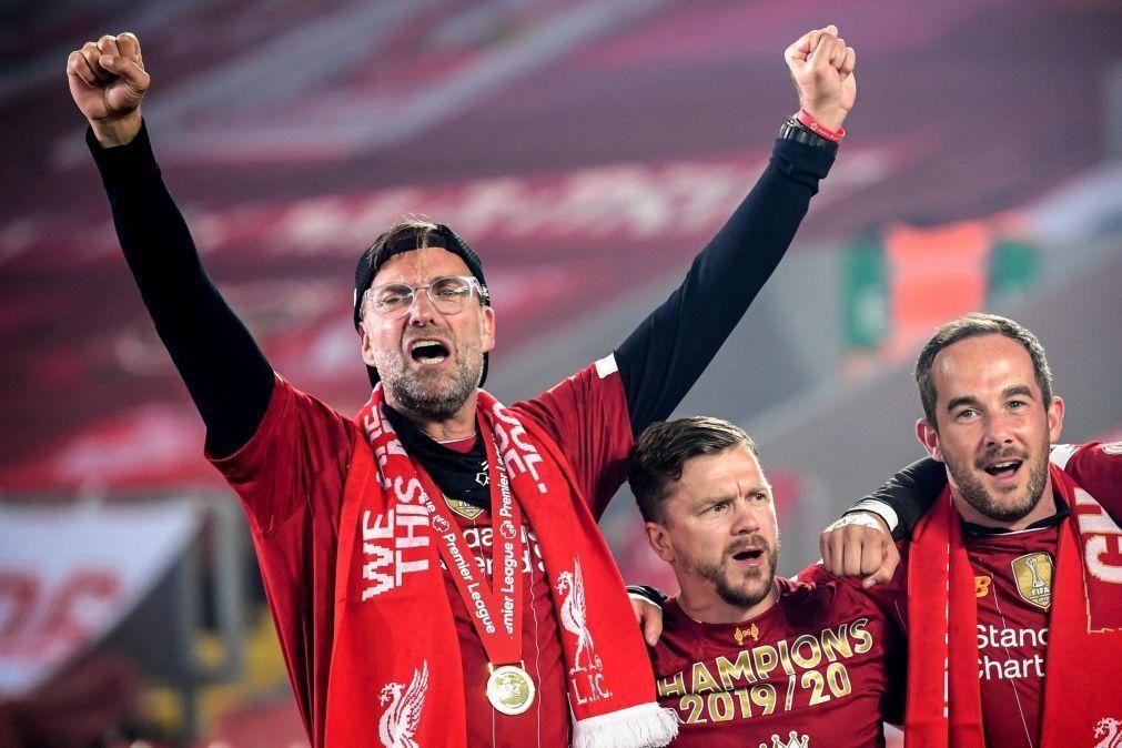 Jürgen Klopp vence prémio de melhor treinador da época em Inglaterra