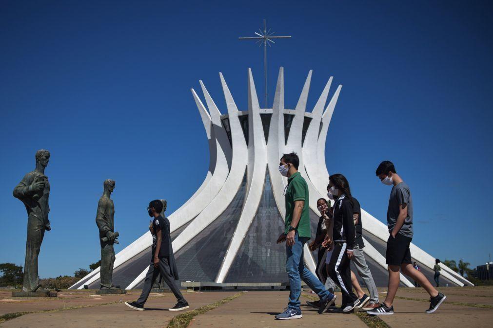 Covid-19: Brasil regista 614 mortes e 23.284 casos em 24 horas